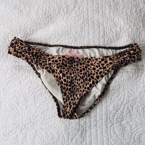 Victoria's Secret Bikini Bottom S Leppard Print